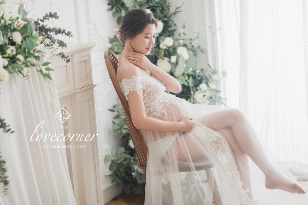 台南孕婦寫真 堅毅又柔美的孕婦寫真紀念 愛情街角LOVE CORNER